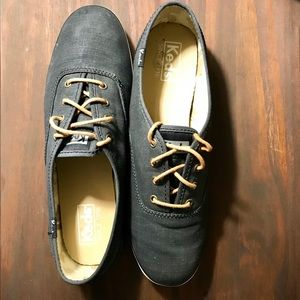 Kids gray stitching Champion tan laces sneakers